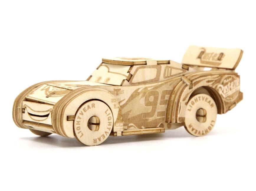 Cars 3 IncrediBuilds 3D Wood Model Kit Lightning McQueen