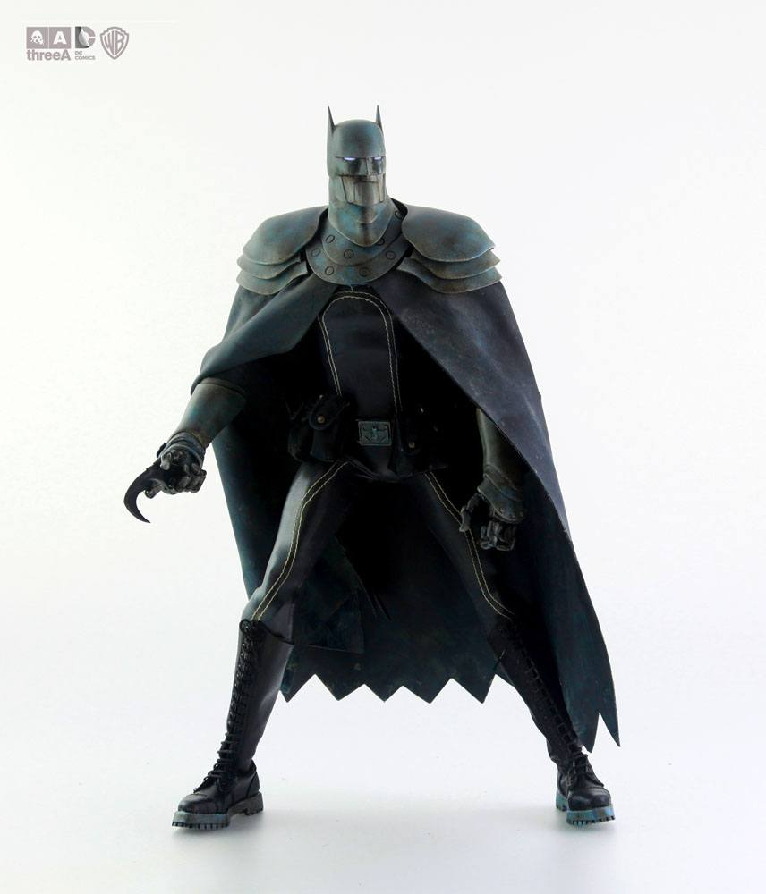 DC Steel Age Action Figure 1/6 The Batman Day 35 cm --- DAMAGED PACKAGING