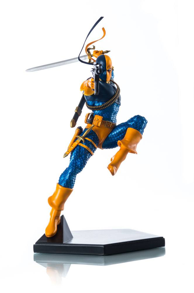 DC Comics Statue 1/10 Deathstroke 23 cm --- DAMAGED PACKAGING