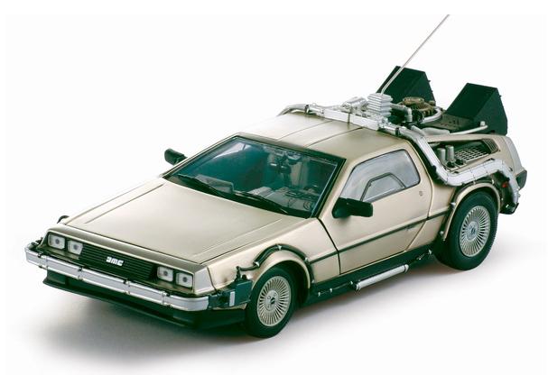 Back to the Future Diecast Model 1/18 ´85 DeLorean LK Coupe