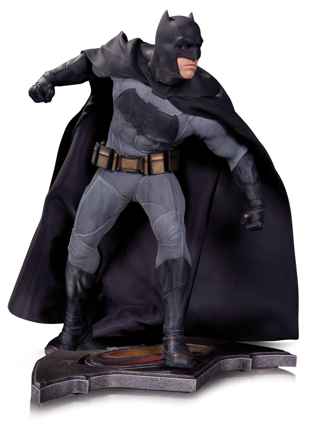 Batman v Superman Dawn of Justice Statue Batman 36 cm