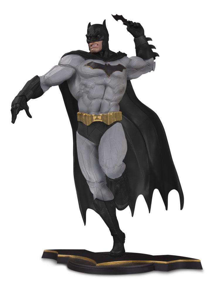 DC Core PVC Statue Batman Gray Variant heo EU Exclusive 26 cm
