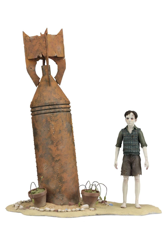 Guillermo del Toro Signature Collection Action Figure Santi (The Devil's Backbone) 18 cm