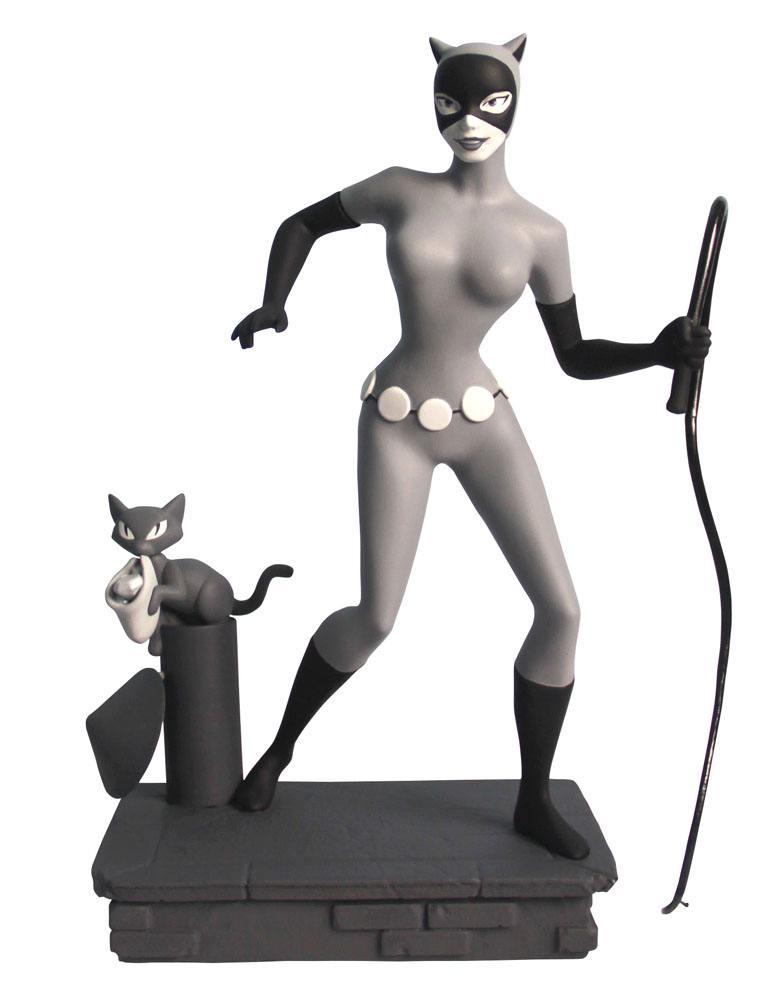 Batman The Animated Series Femme Fatales PVC Statue Black & White Catwoman EU Exclusive 23 cm --- DA
