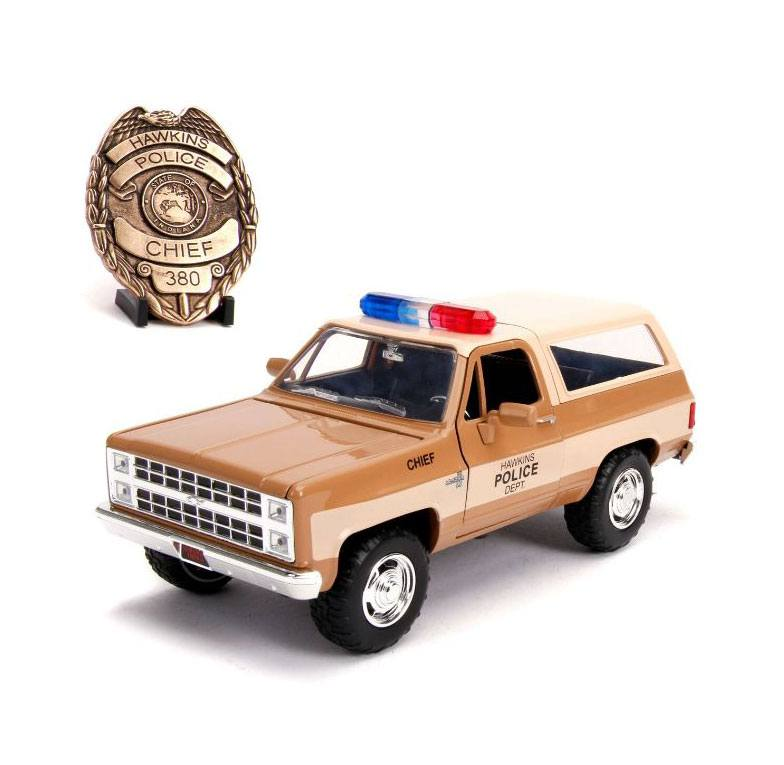 Stranger Things Diecast Model 1/24 Chief Hopper's 1980 Chevy K5 Blazer with Badge