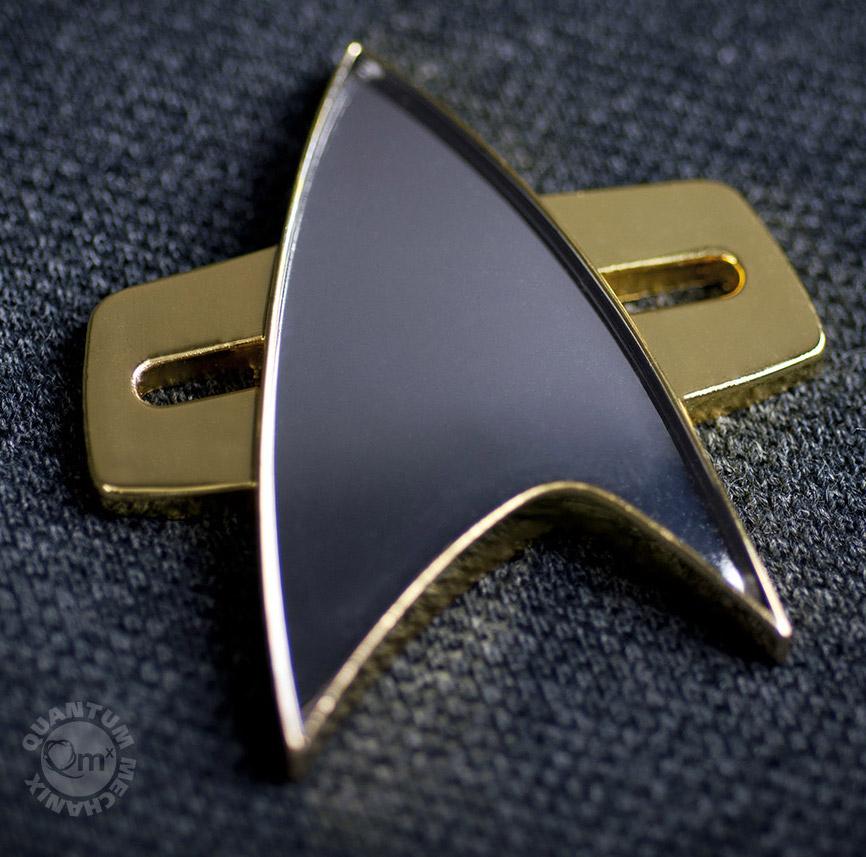 Star Trek Voyager Replica 1/1 Communicator Badge