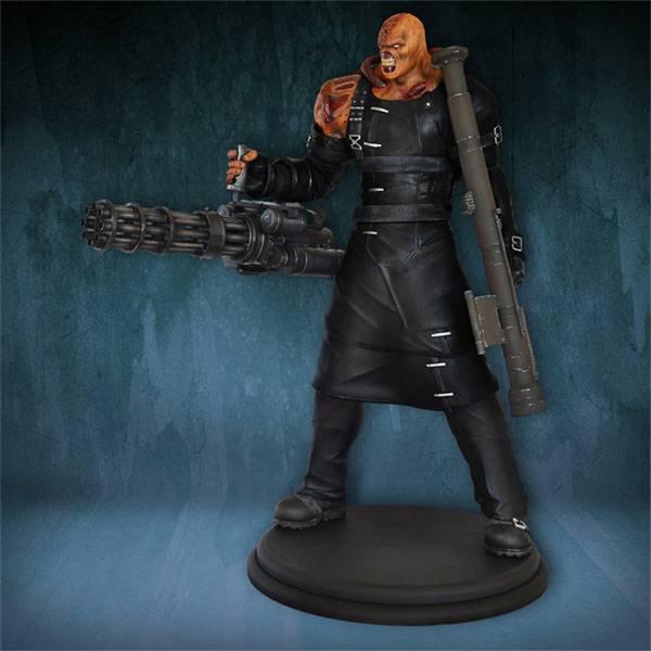 Resident Evil Statue 1/4 Nemesis 76 cm --- DAMAGED PACKAGING
