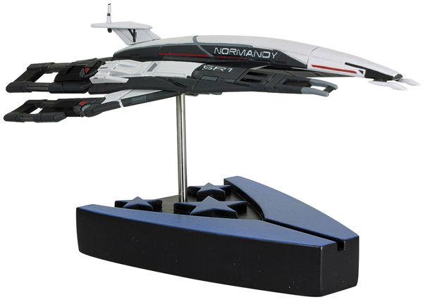 Mass Effect Replica Alliance Normandy SR-1 17 cm