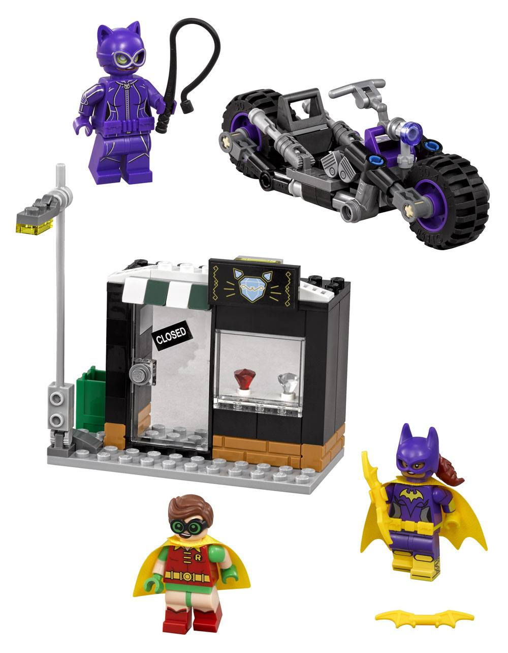 The LEGO® Batman Movie™ Catwoman™ Catcycle Chase