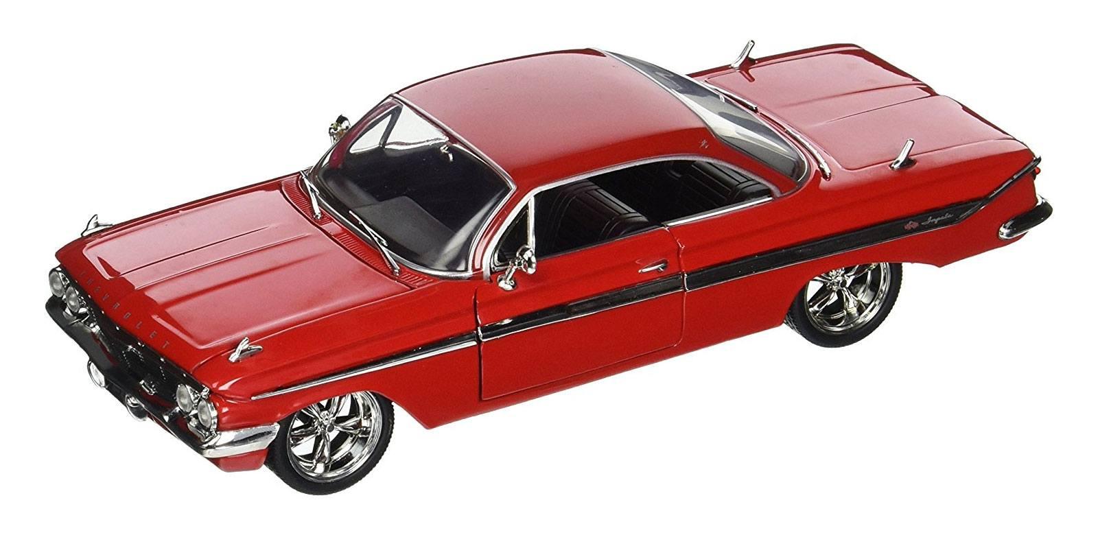 Fast & Furious 8 Diecast Model 1/24 Dom's Chevy Impala