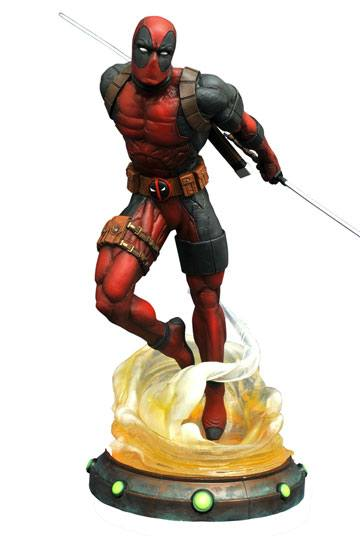 Marvel Gallery PVC Statue Deadpool 23 cm --- DAMAGED PACKAGING