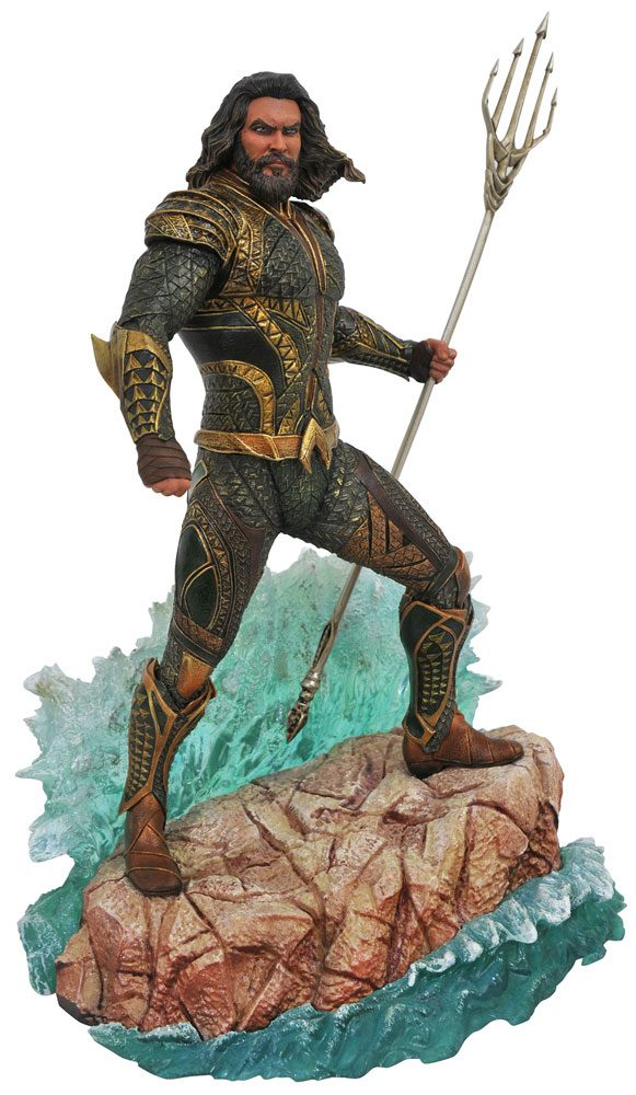 Justice League Movie DC Gallery PVC Statue Aquaman 23 cm --- DAMAGED PACKAGING