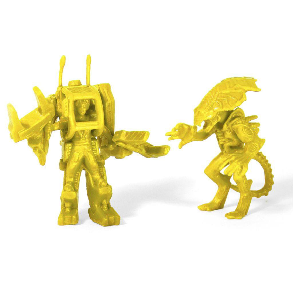 Aliens MUSCLE Figures 2-Pack Ripley & Alien Queen Yellow SDCC 2017 4 cm