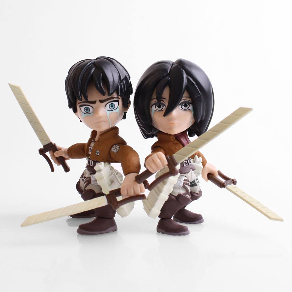 Attack on Titan Action Figure 2-Pack Eren & Mikasa (Crying) SDCC 2017 8 cm --- DAMAGED PACKAGING