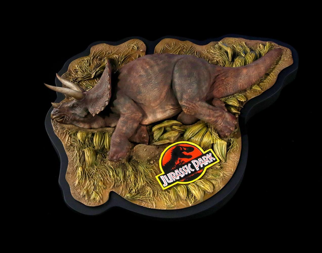 Jurassic Park Diorama 1/35 Sick Triceratops 10 cm