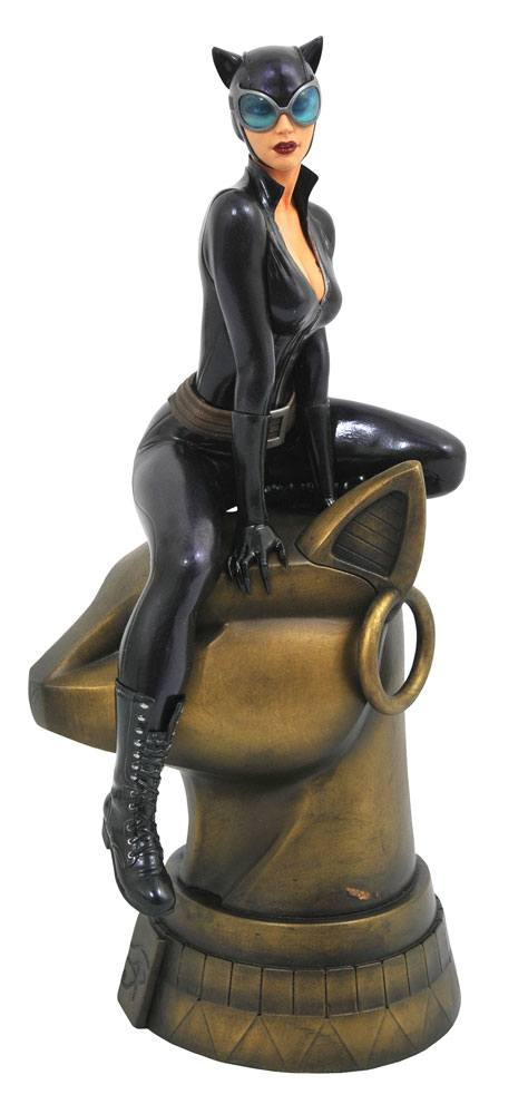 DC Gallery PVC Statue Catwoman 23 cm --- DAMAGED PACKAGING