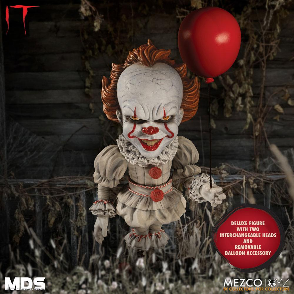 Stephen Kings It 2017 MDS Deluxe Action Figure Pennywise 15 cm