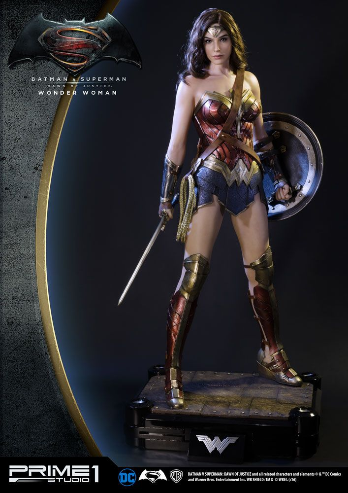 Batman v Superman Dawn of Justice 1/2 Statue Wonder Woman 102 cm