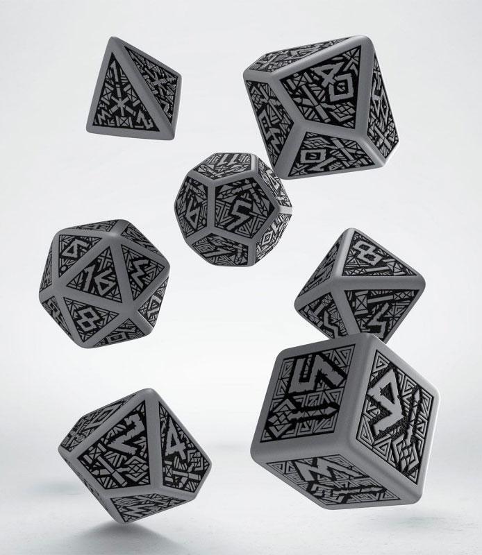 Dwarven Dice Set grey & black (7)