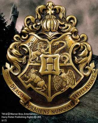Harry Potter Wall Art Hogwarts School Crest 28 x 31 cm