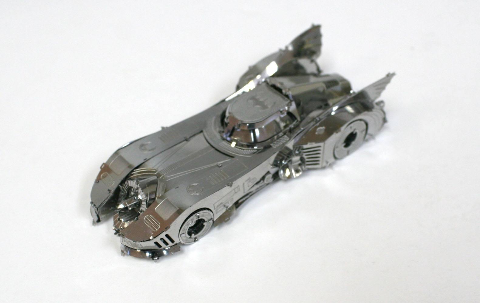 DC Universe Metal Model Kit 1989 Batmobile 10 cm