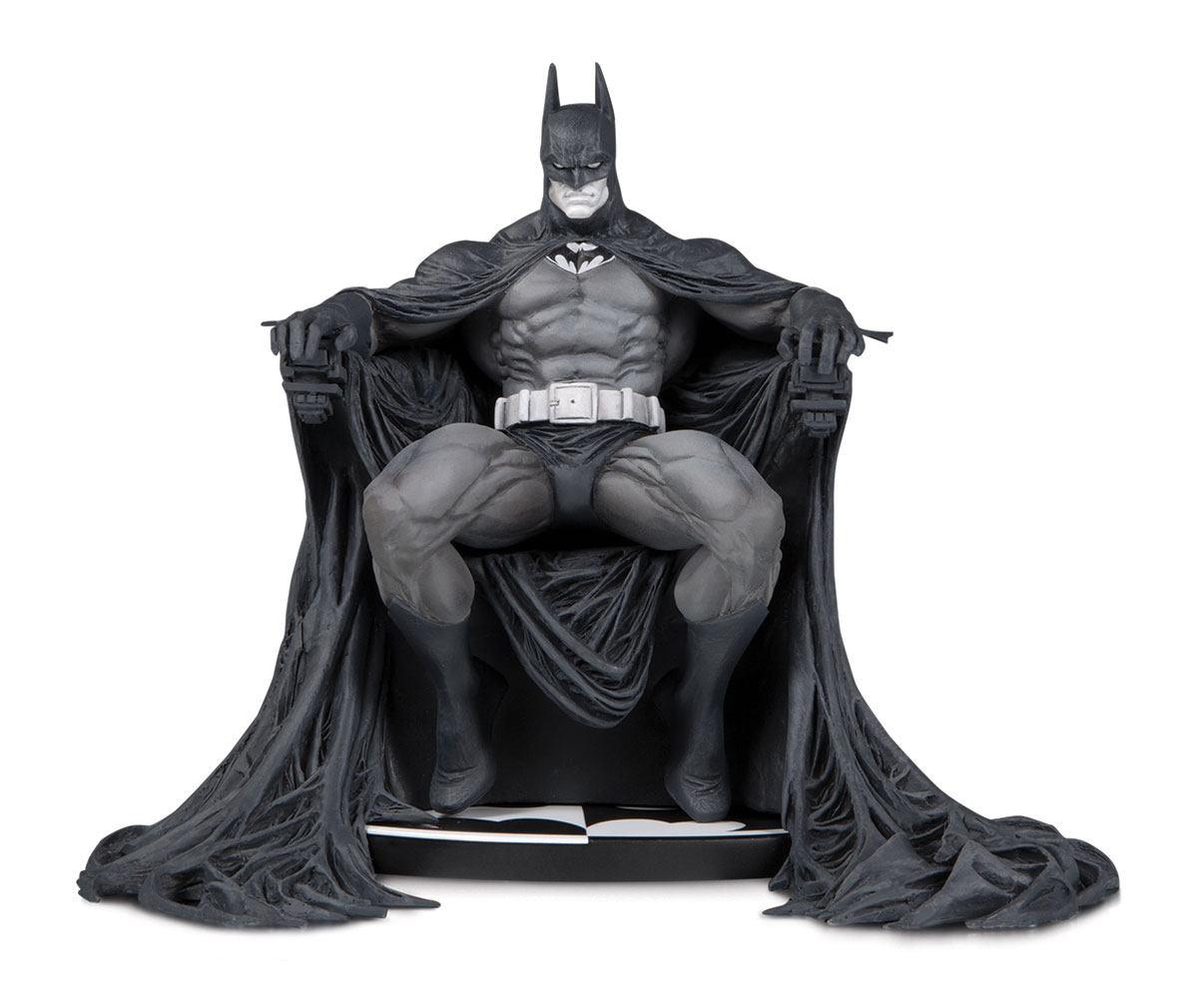 Batman Black & White Statue Batman by Marc Silvestri 15 cm