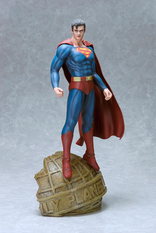 DC Comics Fantasy Figure Gallery Statue 1/6 Superman (Luis Royo) 35 cm
