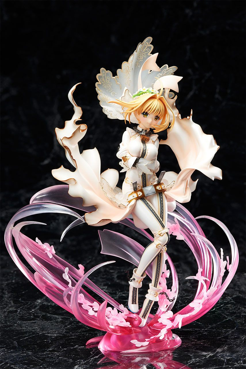 Fate/Extra CCC Statue 1/8 Saber Bride Special Edition 24 cm --- DAMAGED PACKAGING