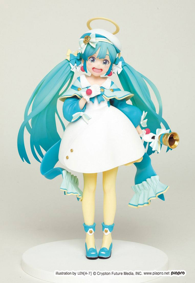 Vocaloid PVC Statue Hatsune Miku 2nd Season Winter Version (Game-prize) 18 cm