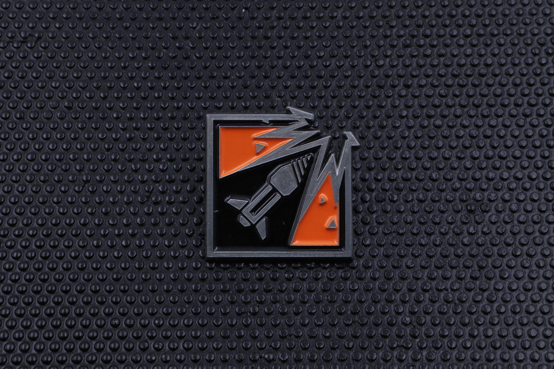 Six Collection Pin Badge Operator Icon Ash